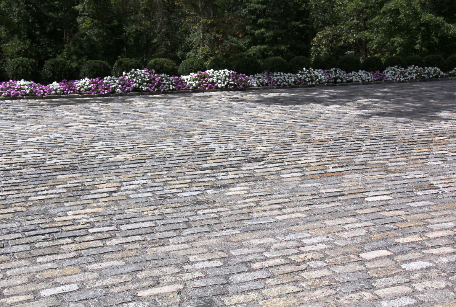 PAVING & APRONS